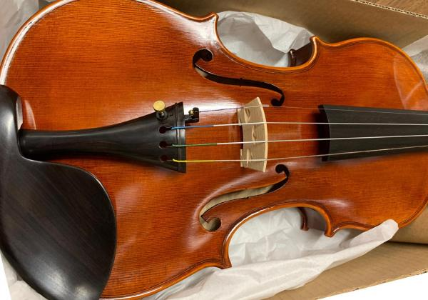 All my violin-related needs are met even when I'm living in a place with limited selection of options