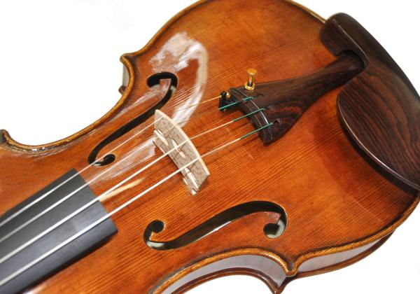 I would only buy a violin of this caliber from Rhiannon: It surpasses my greatest dreams