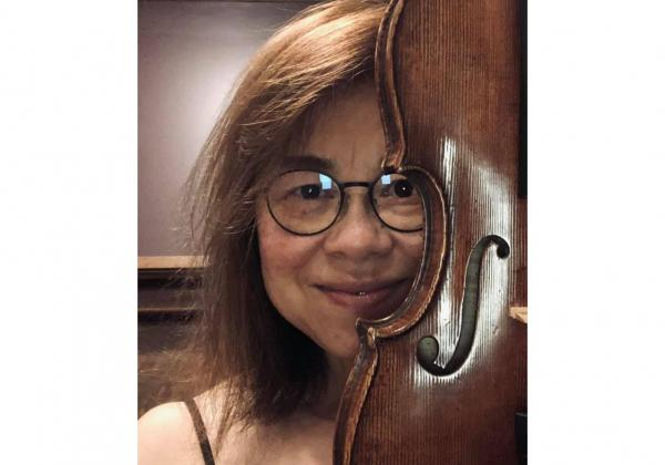 Rhiannon's service helped me to make a major purchase of a Topa violin online
