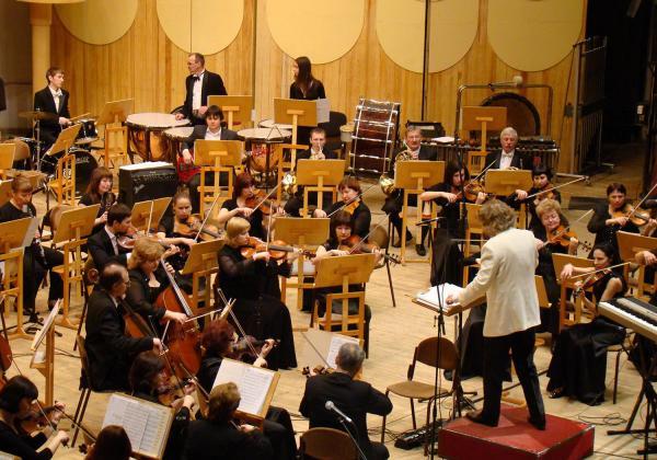 "Pinchas Zukerman praises violin society as ""Important in nurturing the next generation"""