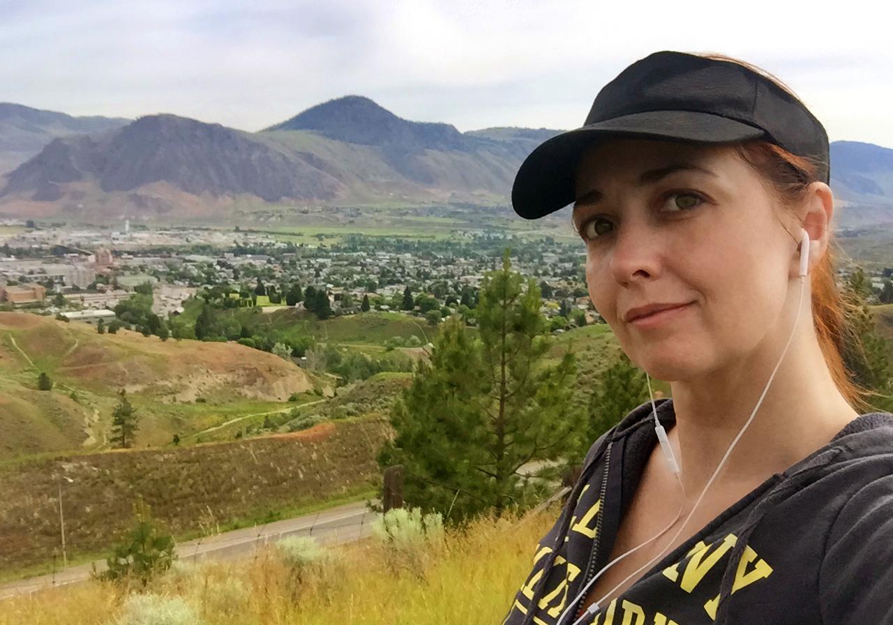Rhiannon hikes above Kamloops and the Tk'emlups the Secwepemc Nation